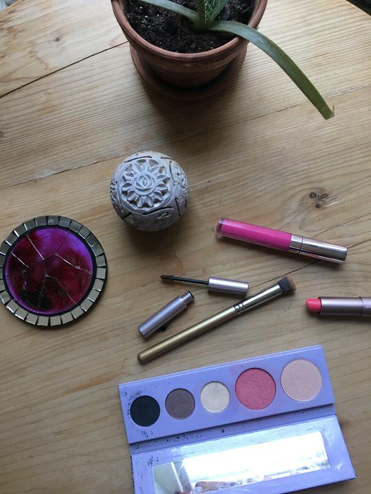 Healthy Makeup 100 Percent Pure